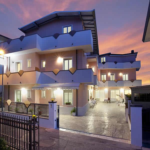 Hotel Villa Cicchini 2 stelle superior a circa 1,5km da Rimini Fiera