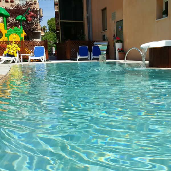 Hotel Bellerofonte 3 stelle con piscina riscaldata
