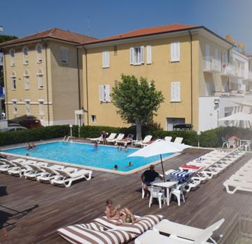 Hotel stella polare rimini residence e hotel con piscina - Residence rimini con piscina ...